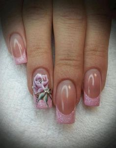 no rose, but love the pink glitter tips and the really nice deep curve they have....