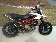 Ducati Hypermotard 1100 EVO Sp | 2014 Ducati Hypermotard 1100 Evo Sp