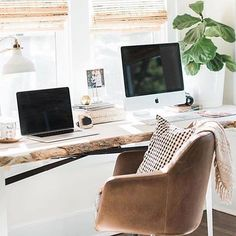 All you little home office workers, we say clock off time! Enjoy your night. @designbx_ #home #office #desk #leather #chair #interiors #designs #interiordesign #interiordesignideas #interiorstyling #interiordesigners #interiorstylists #interiorprofessionals #onlineinteriordesign #edesigning #estyling #interiordesigning #interiorstyle #designing #designidea #designinspo #onlinedesign #homedesign #designtips #interiorinspo #interiorandhome #interiordesignideas #interiorforyou #instadesign