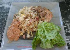 """Le riz cantonnais fait parti des plats traditionnels réunionnais. C'est un des plats incontournables là-bas, au même titre que le rougail saucisses. Comme son nom l'indique, le riz cantonnais est d'origine asiatique, qui au fil du temps a été revisité avec les ingrédients locaux. En effet, pas de petits pois dans le riz cantonnais à la Réunion mais des""""oignons verts"""" (=ciboules). C'est vrai que maintenant chacun met un peu ce qu'il veut dans son riz cantonnais. Mais les ingrédients de base…"""