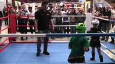 2014-04-12 DM der ISKA Tyler Felde Viertelfinale K1-Sparring -33Kg - Sug...