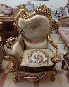 44 Wonderful Single Sofa Chairs Design Ideas For Classic Home Royal Furniture, Salon Furniture, Victorian Furniture, Victorian Decor, Types Of Furniture, Classic Furniture, Home Decor Furniture, Unique Furniture, Luxury Furniture