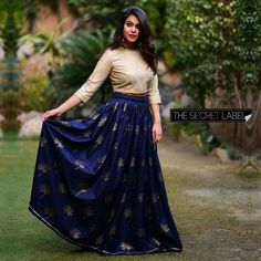 Navy Blue Colour Banglori Silk Fabric Party Wear Lehenga Choli Comes with matching blouse. This Lehenga Choli Is crafted with Embroidery This Lehenga Choli Comes with Unstitched Blouse Which Can Be St. Lehenga Crop Top, Lehenga Skirt, Lehnga Dress, Lehenga Blouse, Lehenga Choli, Blue Lehenga, Indian Gowns Dresses, Indian Fashion Dresses, Evening Dresses