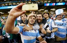"""Argentina's """"Los Pumas"""" celebrating with fans after winning to Ireland in the quarter finals of the Rugby World Cup. Pumas, Argentina Rugby, Rugby World Cup, Finals, Ireland, Spain, Celebrities, Clarinet, Sports"""