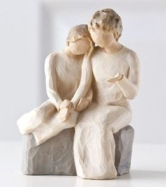 Willow Tree Grandmother/Granddaughter Willow Tree Family, Willow Tree Angels, Willow Tree Statues, Tree People, Terre, Willow Figurines, Willow Tree Grandmother, My Grandmother, Grandmothers