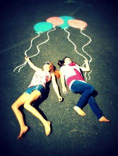 Girls' Sr Photos with the chalk balloons