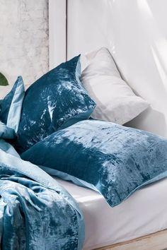 Skye Velvet Duvet Cover | Urban Outfitters Bedding Master Bedroom, Duvet Bedding, Bedding Sets, Linen Bedding, Gold Bedding, Bedroom Decor, Velvet Duvet, Velvet Cushions, White Cushions