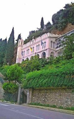 Μοναστήρι Παναγίας Τρυπητής, Αίγιο Mansions, House Styles, Places, Home Decor, Decoration Home, Manor Houses, Room Decor, Villas, Mansion