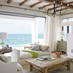 Coastal living room with a laid look and feel
