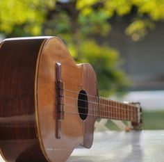 """""""EL Cuatro"""" instrumento musical típico venezolano."""
