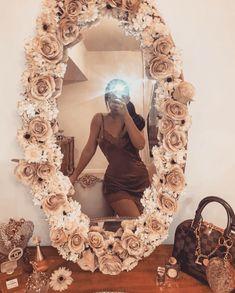 Room Ideas Bedroom, Bedroom Decor, Beauty Room Decor, Flower Mirror, Diy Mirror, Diy Floral Mirror, Wall Mirrors, Mirror Ideas, Cute Room Decor