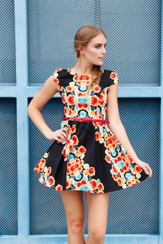 Fun in floral. #baileyblue #dress www.baileyblueclothing.com