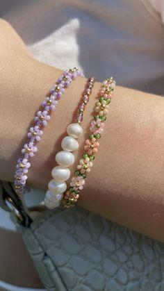 Diy Jewelry Rings, Handmade Wire Jewelry, Beaded Jewelry Designs, Diy Crafts Jewelry, Bracelet Crafts, Bead Jewellery, Cute Jewelry, Handmade Bracelets, Beaded Bracelets