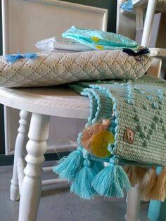#mercadoloftstore #umseisum #porto #colcha #capitone #tapete #lavandiska #cadeira #chair #furniture #colour #blue #contrast #care #children #kidsroom