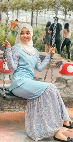 Muslim Women Fashion, Womens Fashion, Hijab Teen, Teenage Girl Photography, Hijabi Girl, Beautiful Asian Girls, Erotic Art, Drums, Drum