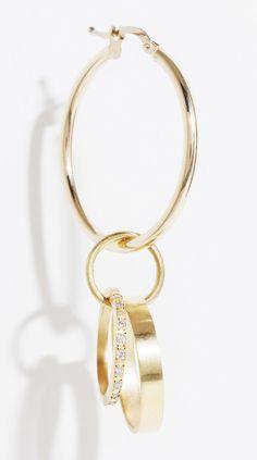La boucle d'oreille unique de Lara Melchior http://www.vogue.fr/joaillerie/le-bijou-du-jour/diaporama/la-boucle-doreille-unique-de-lara-melchior/18930/carrousel#la-boucle-doreille-unique-de-lara-melchior