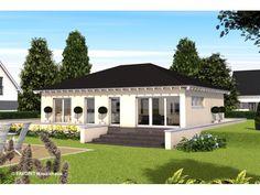 Chalet 105 - #Einfamilienhaus von Bau Braune Inh. Sven Lehner | HausXXL #Massivhaus #Bungalow #klassisch #Walmdach