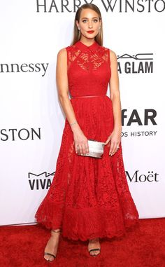 Hannah Davis from amfAR Gala 2016 Red Carpet Arrivals The Sports Illustrated former covergirl stunned in scarlet.