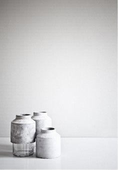 Hanne Willmann - Willmann vase with glass and concrete