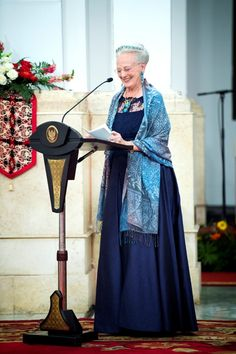 Under statsbanketten holdt Dronningen tale. Læs talen. The Queen in Indonesia, Oct 2015
