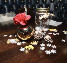 Hallmark Holidays, Holiday Parties, Snow Globes, Events, Table Decorations, Party, Home Decor, Decoration Home, Room Decor
