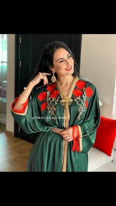 Morrocan Kaftan, Moroccan Dress, Muslim Fashion, Traditional Outfits, Party Dress, Fashion Dresses, Dresses With Sleeves, Glamour, Womens Fashion