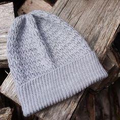 Ravelry: Ephemeris pattern by Hunter Hammersen Knitting Stitches, Knitting Patterns, Knitting Ideas, Knitting Hats, Hat Patterns, Yarn Projects, Knitting Projects, Yarn Stash, Knitting Accessories