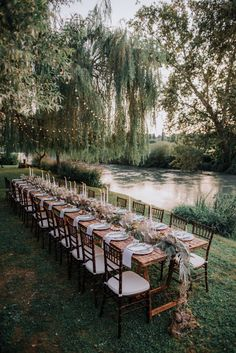 forest wedding Why do I have a feeling that todayamp;s romantic wedding on the river of Mincio, North of Italy, is something every young couples dream You must see how adorable and lovable todays young bride and groom on Wedding Goals, Boho Wedding, Wedding Planning, Dream Wedding, Italy Wedding, Wedding In Nature, Weddings In Italy, Wedding Hair, Rustic Forest Wedding