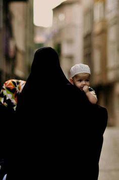 Muslim Couple Photography, Girl Photography, Muslim Family, Muslim Couples, Muslim Fashion, Hijab Fashion, Hijab Dp, Islam Marriage, Muslim Culture