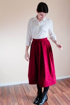 cotton skirt  Comes in pleated, gathered, or flared styles. Choose between fitted with side zipper or a front waistband and elastic back for ultimate ease and comfort.   TO ORDER:  1️⃣ choose your style 2️⃣ choose your color 3️⃣ enter your measurements in the Note to Seller portion of the purchase  MEASUREMENT LIST:  Waist: Hip: Hip Curve (Vertical Distance between Waist and Hip): Hem (Length from Waist to desired Hem ending):   If you have trouble with taking measurements, please send me…