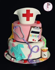 Nursing cake- @Dawn Cameron-Hollyer A Palmer RN nice idea for when @Geneviève Lavoie Palmer graduates!