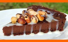 Ak máte chuť na skutočne čokoládový koláčik a žiadne mdlé hnedé hmoty, skúste tento Tento recept Vám dáva do pozornosti: Šéfkuchári.sk