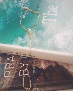 || Our Aquamarine hand chain channels the wild energy of the sea xx . . . . . . . . . #crystaljewelry #giveback #donate #savetheocean #SaveOurCoast #saveourseas #jewelryforacause #jewelrydesigner #bohemian #boho #bohochic #boholuxe #luxe #goldjewelry #goldchain #handchain #customjewelry #14kgold #festivalfashion #shopifypicks #effortless #fashiondiaries #festival #jotd #aquamarine