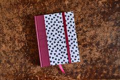 Cuaderno chico ::: 14,5 x 10,5cm ::: 80 hojas ::: Cosido y encuadernado artesanal