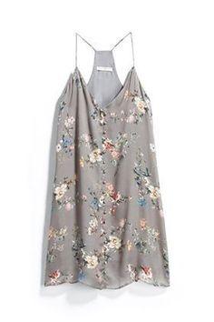 Stitch Fix Style 2018 Spring Summer Floral Tank Dress. Want to try Stitch Fix? Sign Up using the referral link below!: https://www.stitchfix.com/referral/5503563?sod=w&som=c #tankdress