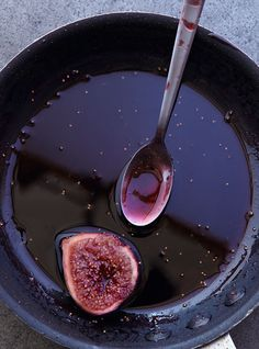 Figs in Port Recipe | Leite's Culinaria . Very nice recipe that can go along with our Roxo Figs and delicious Moscatel Figs   http://www.deliportugal.com/catalog/porto-62360