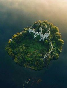Castle Island, Lough Key, County Roscommon,Ireland - Travel Tips Abandoned Castles, Abandoned Places, Abandoned Mansions, Haunted Places, Abandoned Buildings, Places Around The World, Oh The Places You'll Go, Beautiful Castles, Beautiful Places