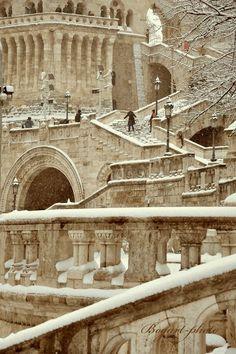 www.vanissima.hu - We love Budapest #var #castle #budapest #snow