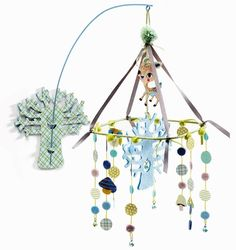 Mobile mural Forêt par Little big room by Djeco Mobiles, Wood Nursery, Nursery Ideas, Nursery Decor, Dream Catcher Mobile, Baby Barn, Gaspard, Hanging Mobile, Mobile Mobile