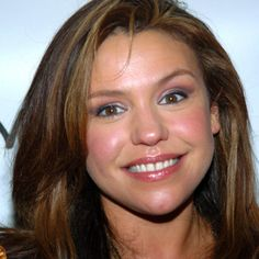 Celebrity chef Rachael Ray is the master of the 30 Minute Meals and a beloved TV personality. Learn more at Biography.com.