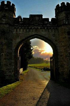 Castle Gate, Scotland Imagining Merida galloping Angus out through these gates. Places To Travel, Places To See, Travel Destinations, Beautiful World, Beautiful Places, Wonderful Places, Castle Gate, Chateau Medieval, Famous Castles