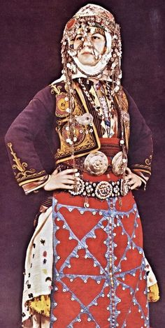 Traditional bridal costume from the village of Merkez Kapıkaya (Kozak Yaylası, near Bergama), 1968.  Ethnic group: Alevi Türkmen.  (Source: 'Türkmen Giyimi', Sabiha Tansuğ).