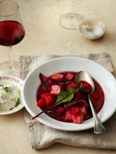 Rezept: Rote-Bete-Eintopf mit Meerrettich-Schmand - [LIVING AT HOME]