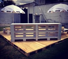 Recycled pallet deck and furniture