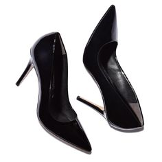 Aarons patent leather pump