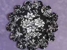 Black and White Floral yo yo doilypenny rug style by SursyShop, $8.00