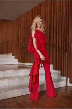 Outfits ideas & inspiration : Know the Trend in Fashion Jumpsuits 2018 that should not be missing in your closet, Jumpsuits or Fashion Jumpsuit you will know what the trend in Look Fashion, Girl Fashion, Fashion Show, Fashion Outfits, Womens Fashion, Jumpsuit Dressy, Designer Jumpsuits, Dress To Impress, Ideias Fashion