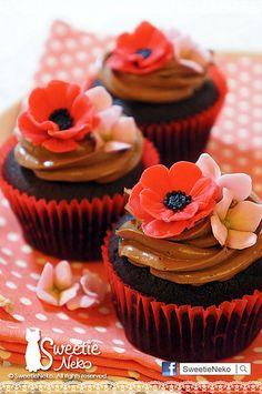 flower cupcake Cupcake Queen, Cupcake Art, Cupcake Cookies, Fondant Cupcakes, Fun Cupcakes, Wedding Cupcakes, Cupcake Arrangements, Cupcake Collection, Cupcake Heaven