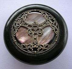 Bouton ancien nacre grise argentée - diamètre 45mm