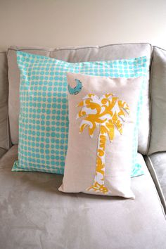 Palmetto and Crescent Moon South Carolina flag palm tree Pillow Cover. Palmetto Tree, Palmetto Moon, South Carolina Flag, Tree Crafts, Household Items, Pillow Covers, Mount Vernon, House Design, Crafty